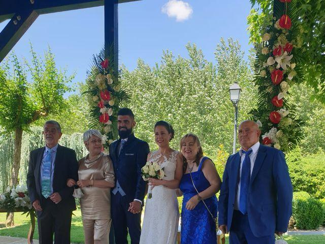 La boda de Dani y Lidia en Mansilla De Las Mulas, León 9