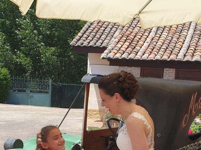 La boda de Dani y Lidia en Mansilla De Las Mulas, León 15