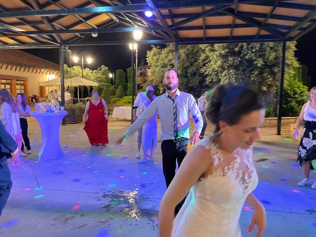 La boda de Dani y Lidia en Mansilla De Las Mulas, León 25