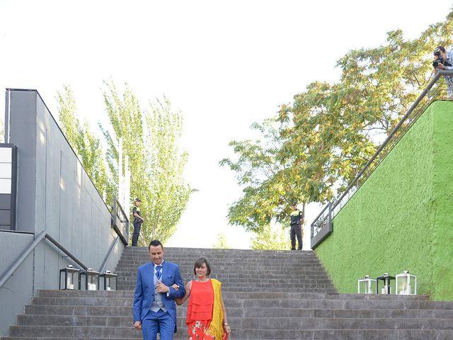 La boda de Abel y Judit en Zaragoza, Zaragoza 4