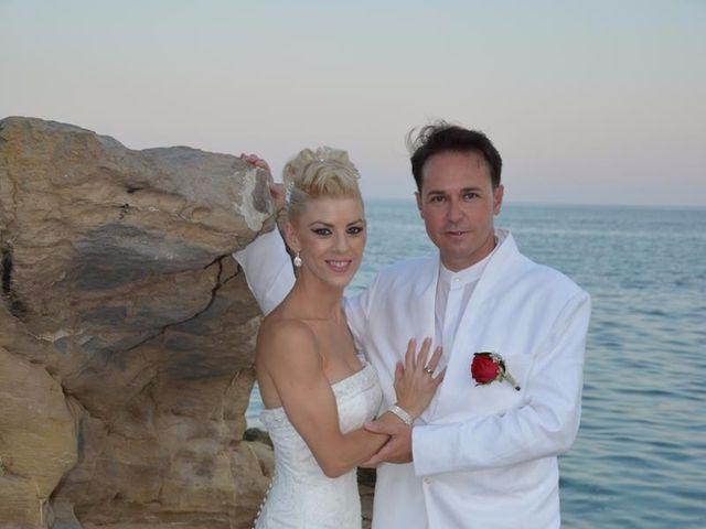La boda de Guillermo y Mercedes en La/villajoyosa Vila Joiosa, Alicante 3