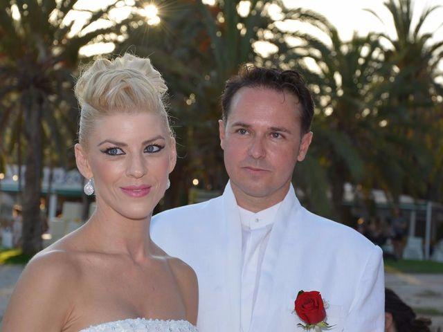 La boda de Guillermo y Mercedes en La/villajoyosa Vila Joiosa, Alicante 4