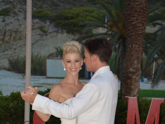 La boda de Guillermo y Mercedes en La/villajoyosa Vila Joiosa, Alicante 8