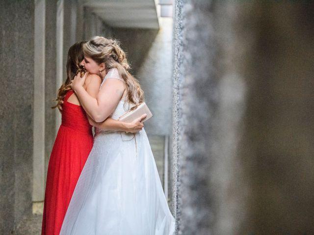 La boda de Roger y Anna en Olot, Girona 2