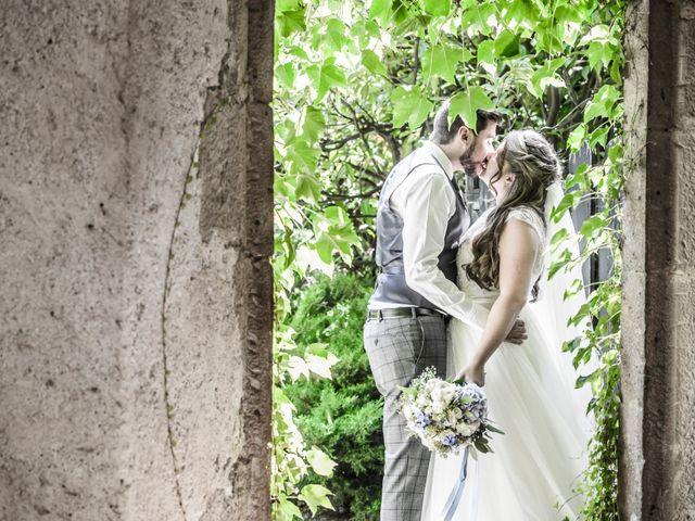 La boda de Roger y Anna en Olot, Girona 23