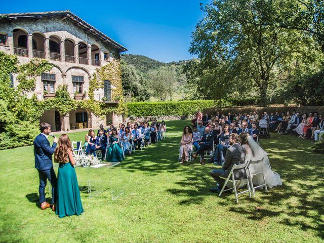 La boda de Roger y Anna en Olot, Girona 31