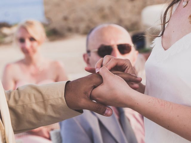 La boda de Jairo y Gabriela en Tabarca, Alicante 37