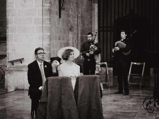La boda de Ismael y Iris en Valencia, Valencia 18