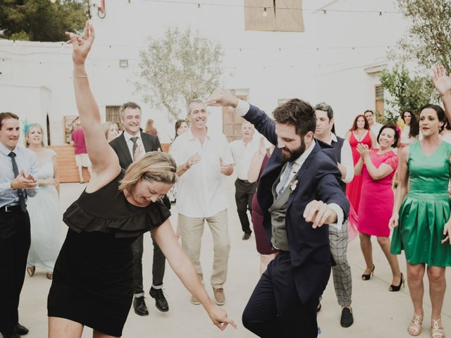 La boda de Ismael y Iris en Valencia, Valencia 51