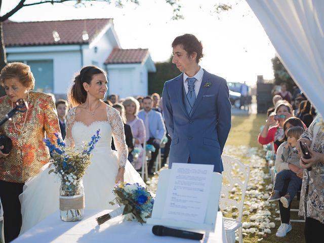 La boda de Borja y Hiedra en Oviedo, Asturias 25