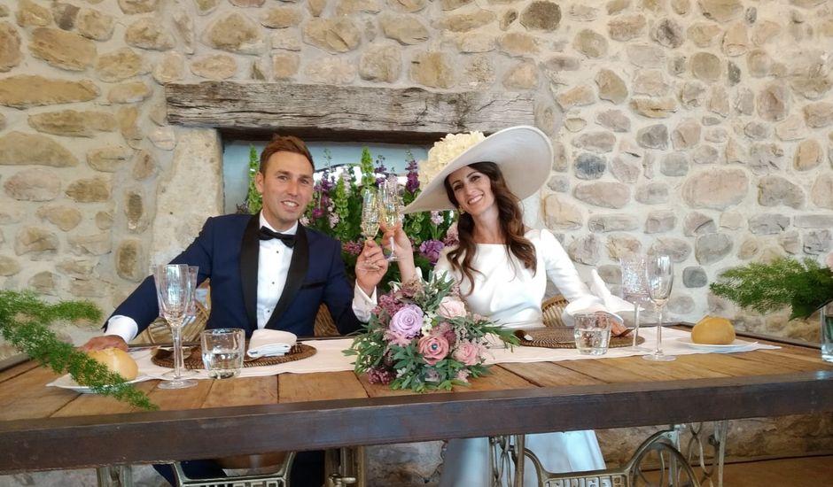 La boda de Roberto y Noemí en Barros, Cantabria
