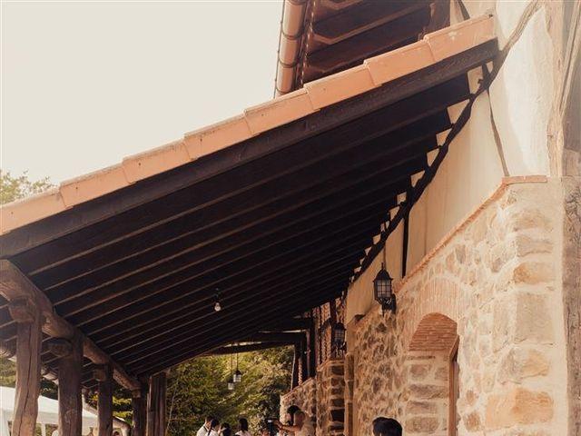 La boda de Rober y Miren en Muxika, Vizcaya 10
