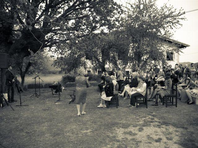 La boda de Rober y Miren en Muxika, Vizcaya 24
