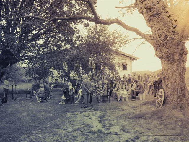 La boda de Rober y Miren en Muxika, Vizcaya 33