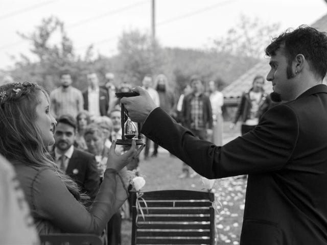 La boda de Rober y Miren en Muxika, Vizcaya 51