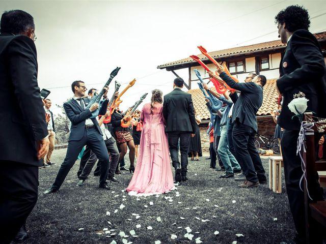 La boda de Rober y Miren en Muxika, Vizcaya 54
