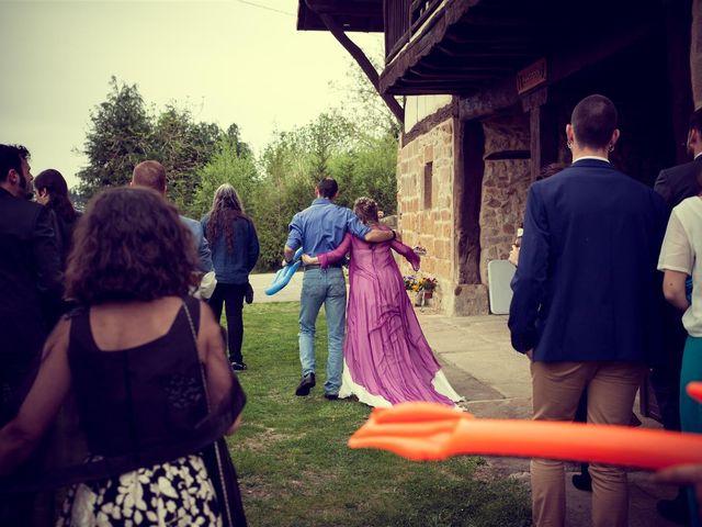 La boda de Rober y Miren en Muxika, Vizcaya 58