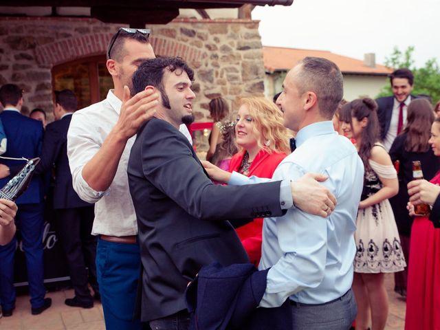 La boda de Rober y Miren en Muxika, Vizcaya 64