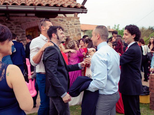 La boda de Rober y Miren en Muxika, Vizcaya 65