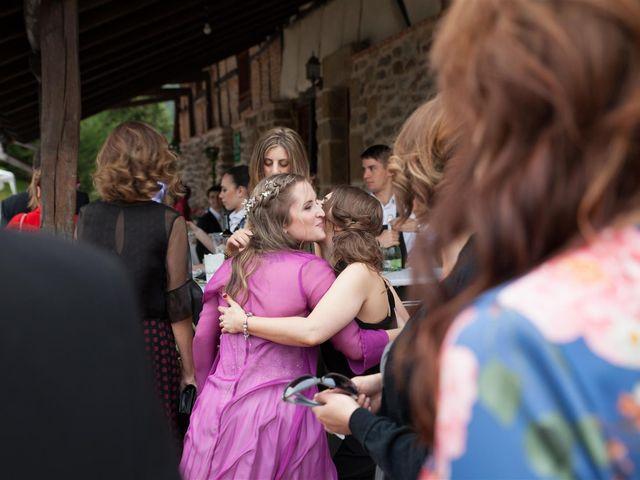 La boda de Rober y Miren en Muxika, Vizcaya 72