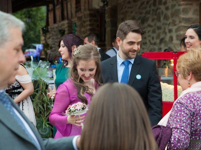 La boda de Rober y Miren en Muxika, Vizcaya 80