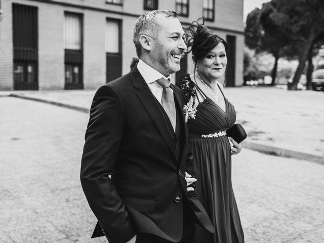 La boda de Alejandro y Mamen en Arganda Del Rey, Madrid 11