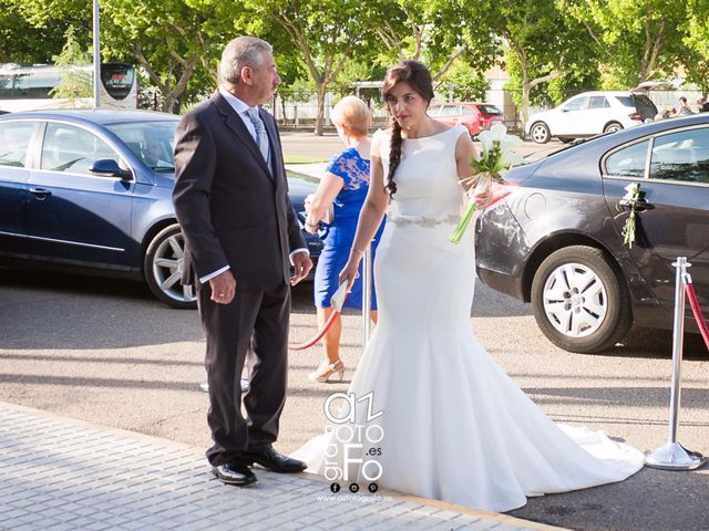 La boda de Javi y Isabel  en Don Benito, Badajoz 5