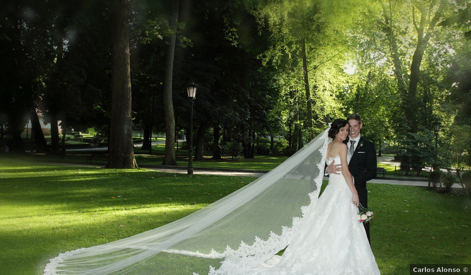La boda de Dominik y Raquel en Tudela, Navarra