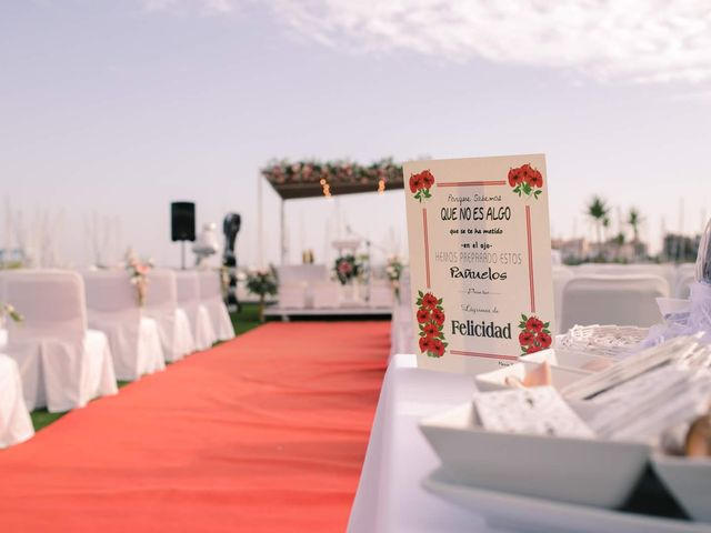 La boda de Luisfer y Maria en El Puerto De Santa Maria, Cádiz 10