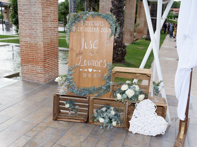 La boda de Jose y Lourdes en Valencia, Valencia 10