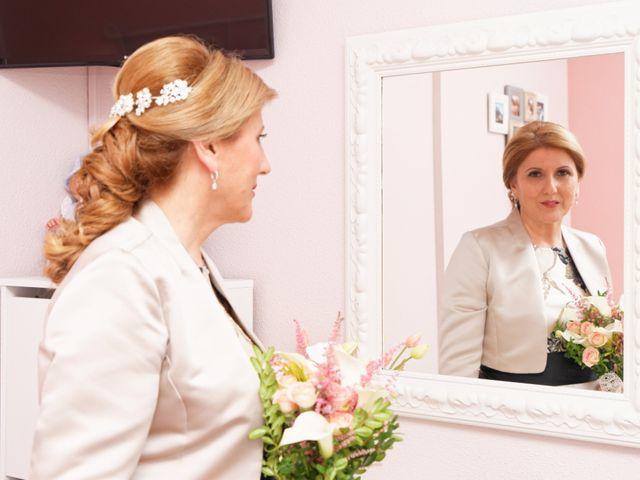 La boda de Jose y Lourdes en Valencia, Valencia 35