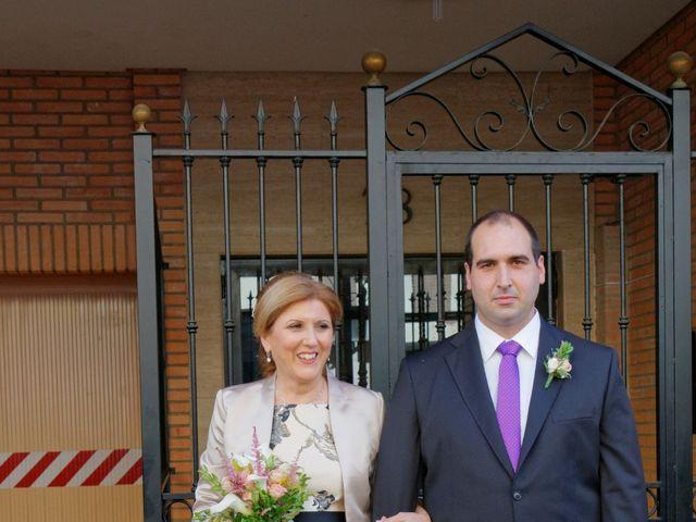 La boda de Jose y Lourdes en Valencia, Valencia 36