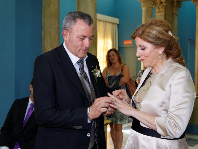 La boda de Jose y Lourdes en Valencia, Valencia 41