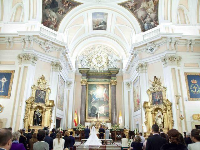 La boda de Alejandro y Raquel en Torrelodones, Madrid 27