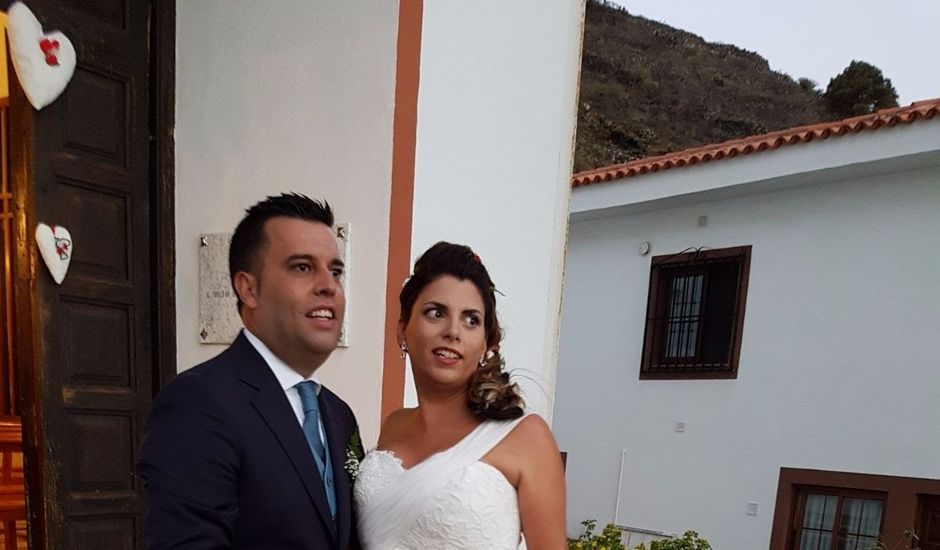 La boda de Cristo y Rosi en Santa Cruz De La Palma, Santa Cruz de Tenerife