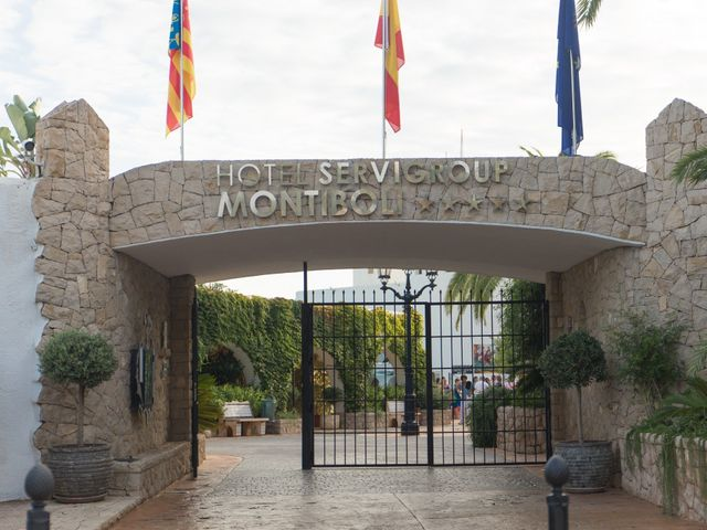 La boda de Alejandro y Johanna en La/villajoyosa Vila Joiosa, Alicante 21
