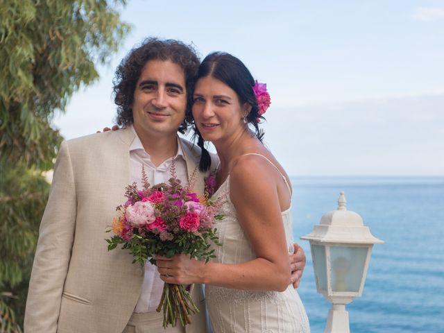 La boda de Alejandro y Johanna en La/villajoyosa Vila Joiosa, Alicante 25