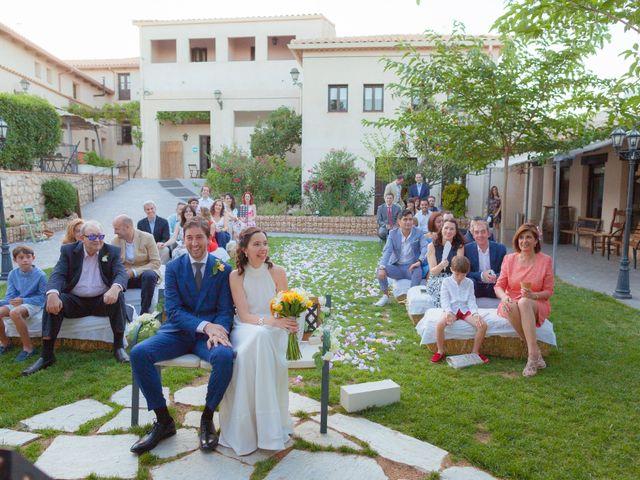La boda de Eduardo y Miriam en Villar De La Encina, Cuenca 38