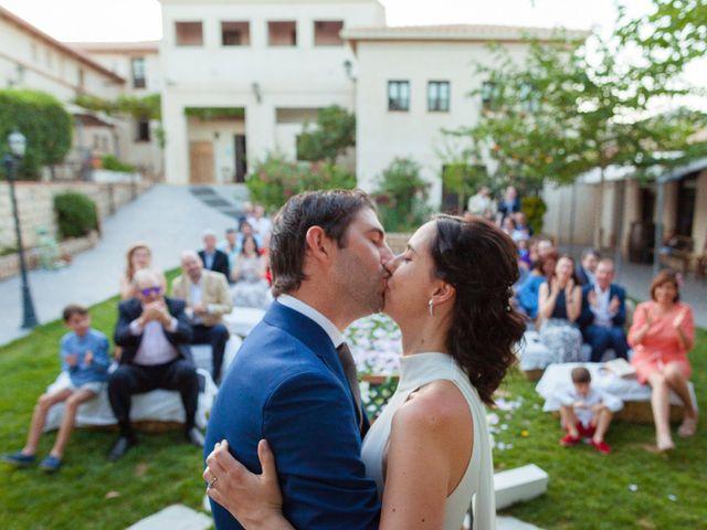 La boda de Eduardo y Miriam en Villar De La Encina, Cuenca 45