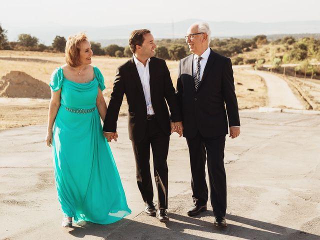 La boda de Juan Manuel y Carolina en La Torre De Esteban Hambran, Toledo 49