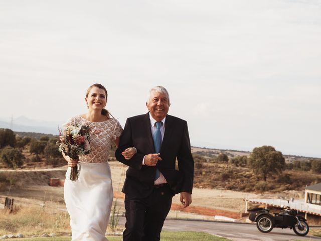 La boda de Juan Manuel y Carolina en La Torre De Esteban Hambran, Toledo 87