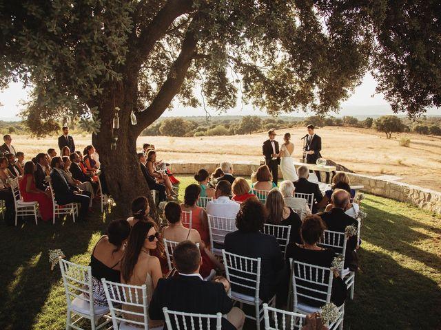 La boda de Juan Manuel y Carolina en La Torre De Esteban Hambran, Toledo 2