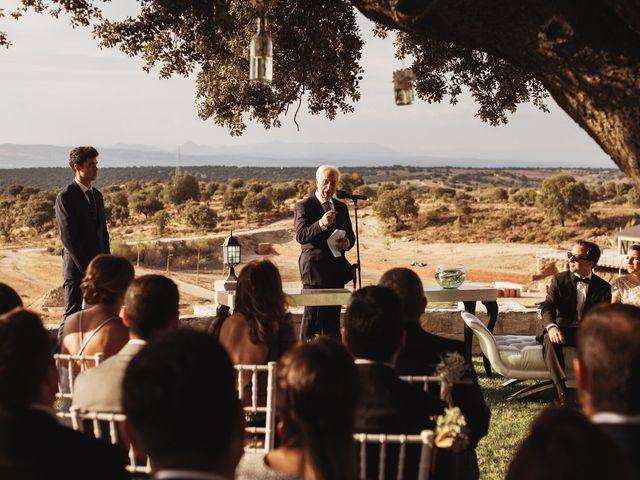 La boda de Juan Manuel y Carolina en La Torre De Esteban Hambran, Toledo 89