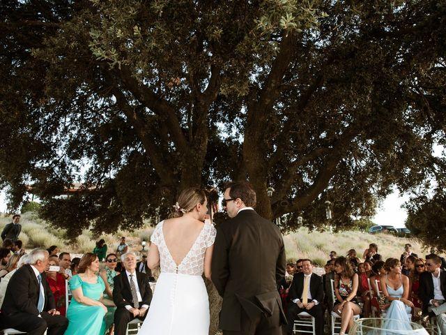La boda de Juan Manuel y Carolina en La Torre De Esteban Hambran, Toledo 99