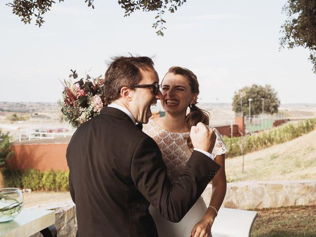 La boda de Juan Manuel y Carolina en La Torre De Esteban Hambran, Toledo 106