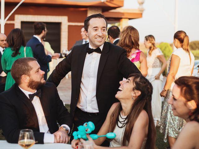 La boda de Juan Manuel y Carolina en La Torre De Esteban Hambran, Toledo 131