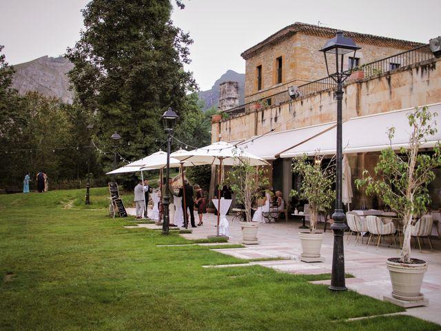 La boda de Javier y Nancy en Cangas De Onis, Asturias 35