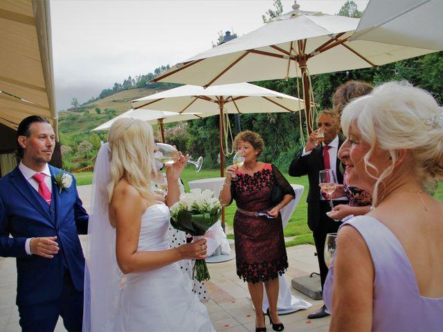 La boda de Javier y Nancy en Cangas De Onis, Asturias 41