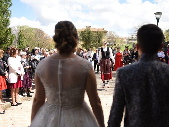 La boda de Imanol y Irati en Pamplona, Navarra 28