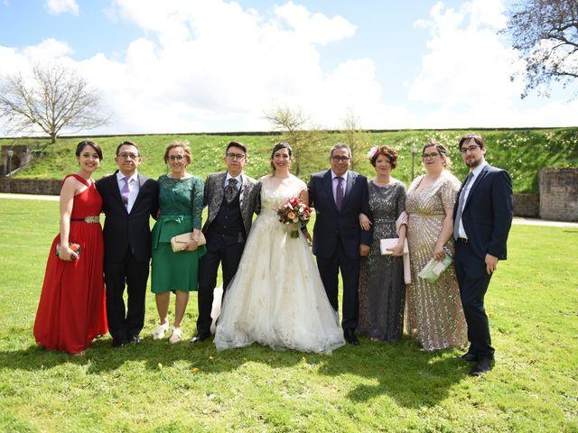 La boda de Imanol y Irati en Pamplona, Navarra 36